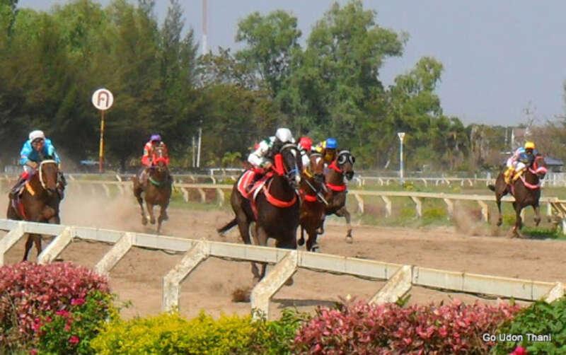 ศึกม้าแข่งเมืองไทยทีชิงรางวัล 1.5 ล้านบาท 2